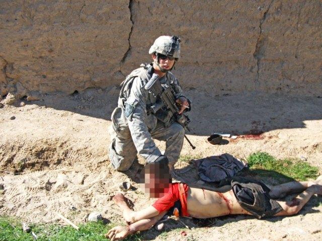 Солдат армии США, хранивший зубы и кости пальцев убитых афганских граждан,